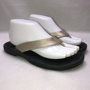 Olukai Ohana Black Gold Flip Flops Women's 8